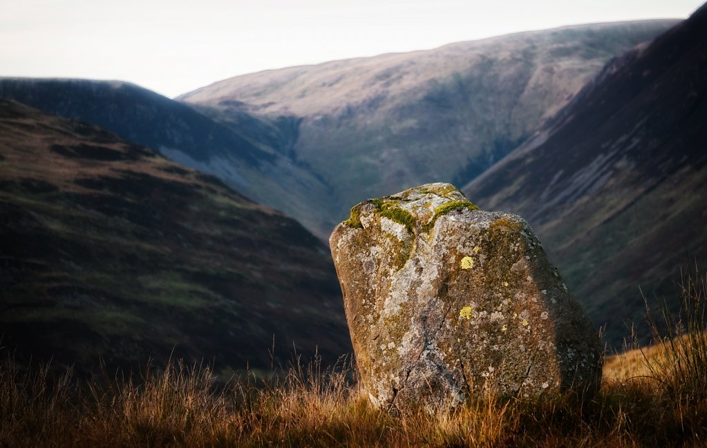 Standing stone on Bodesbeck Law