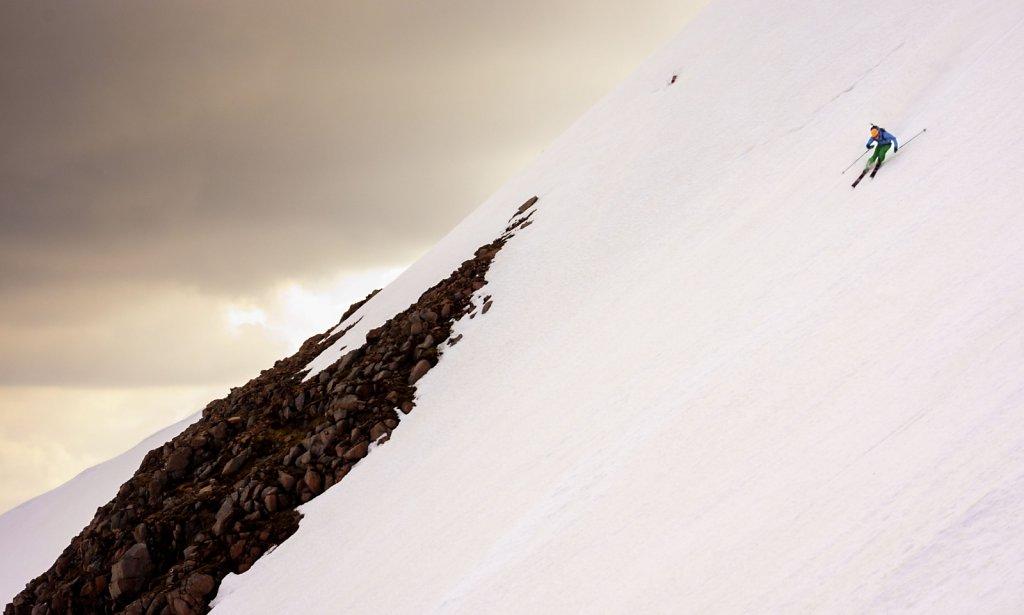 Carn Mor Dearg descent