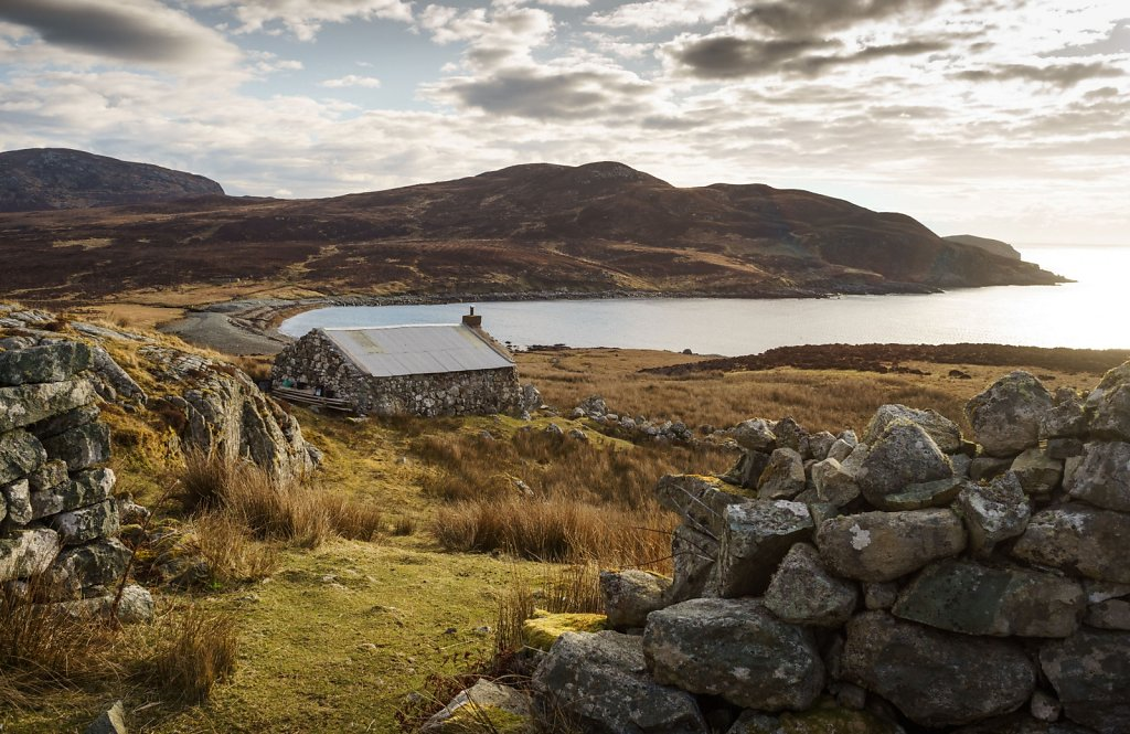 Uisinis bay and bothy