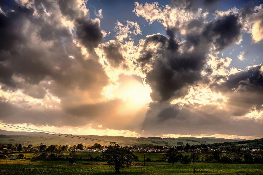 Sunbeams over Moffat